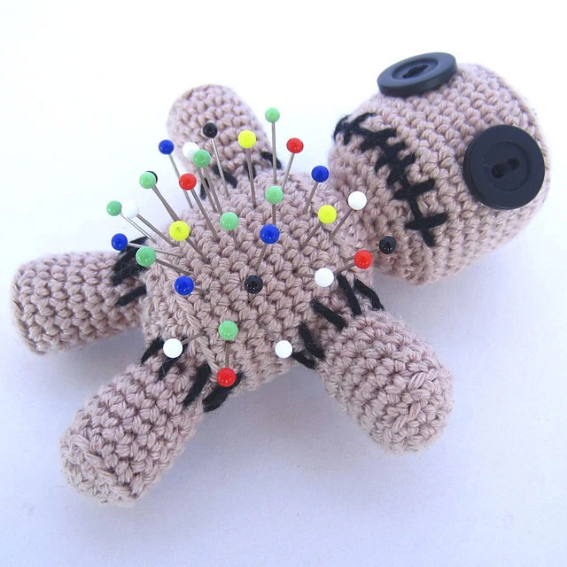 Voodoo Doll Pincushion - Supergurumi
